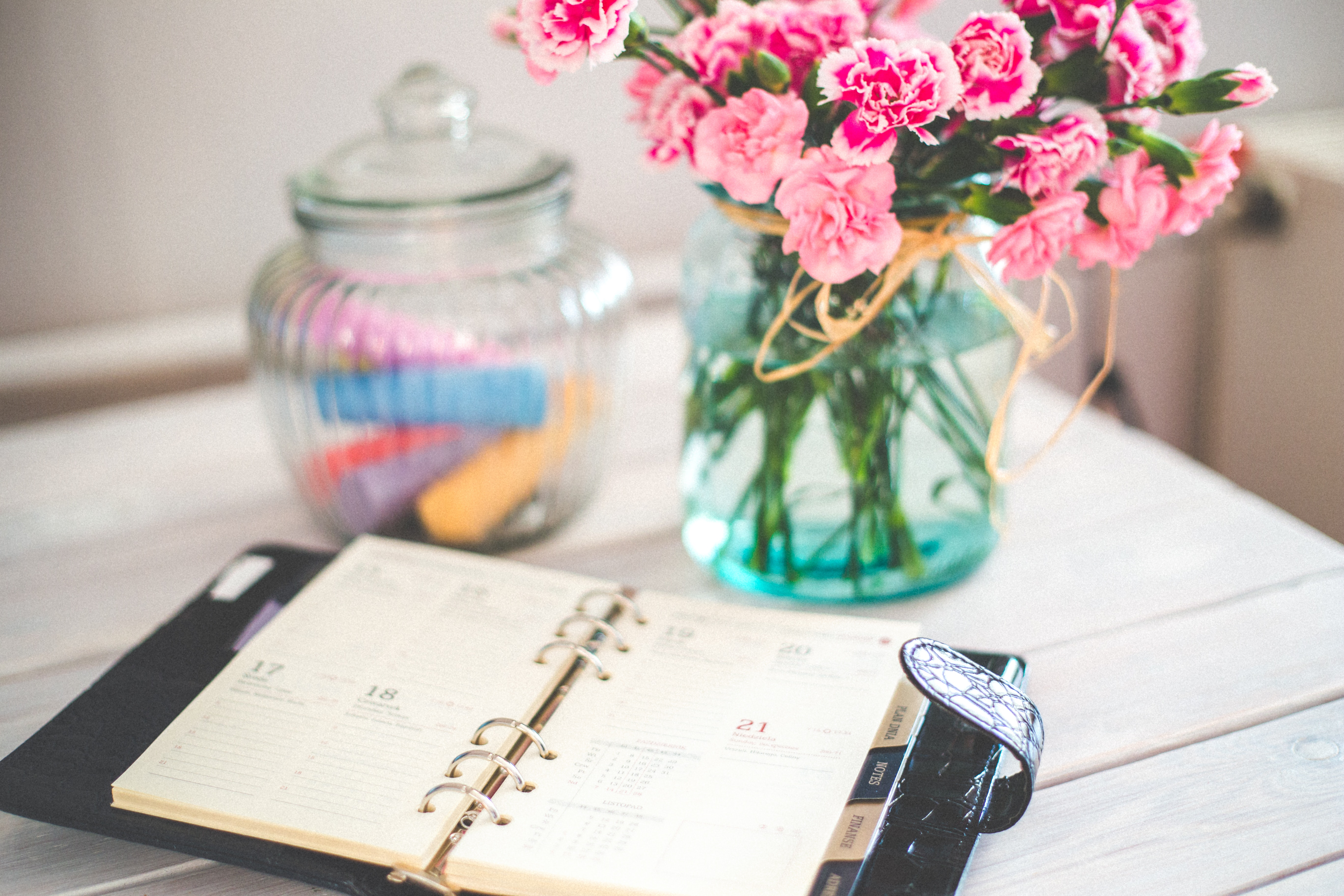 agenda-bouquet-businesswoman-6374